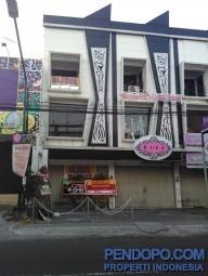 Ruko 3 lantai Strategis tengah kota Yogya tepi jalan raya utama selatan UGM