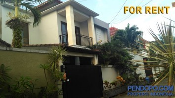 Di Sewakan Villa Full Furnish 3 Bedroom di Jl. Mertanadi Kerobokan Bali