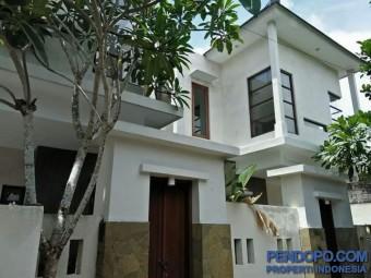 Rumah Dijual Di Sanur 2 Unit Rumah Semi Villa Kawasan Pariwisata Sanur Bali